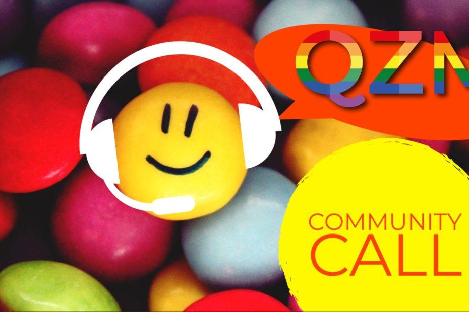 im Hintergrund bunte Smarties. Ein Smarty im Vordergrung trägt ein Headset und hat ein Lachgesicht. auf gelbem Grund in Rot: Community-Call